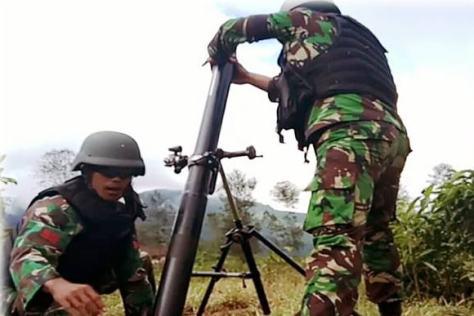 Latihan Penembakan Senjata Bantuan Lintas Datar dan Lengkung Yonko 461 Paskhas