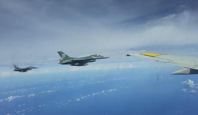 Rombongan Panglima TNI Dikawal Empat Unit F-16 di Atas Natuna