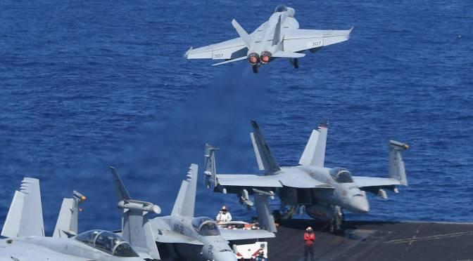 USS Theodore Roosevelt dengan 20 Unit F-18 Lakukan Manuver di LCS
