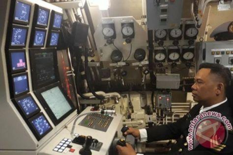 KRI Ardadedali-404 di galangan kapal Daewoo Shipbuilding and Marine Engineering (DSME), Okpo, Korea Selatan, Rabu, (25042018). (Antara)