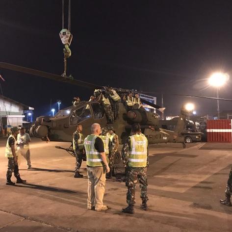 Lima unit AH-64E Apache Guardian tiba di Pelabuhan Tanjung Emas, Semarang, hari ini, Jumat tanggal 20 Maret. (Bone Fiol) 4