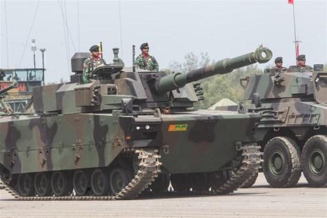 Medium Tank Harimau Hitam dalam rangka persiapan peringatan HUT TNI ke-72 tahun 2017 di Banten. (Basin Ilan Kurumu)