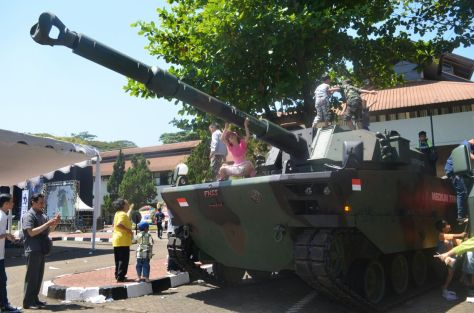 Medium Tank PT Pindad (3004) (Jurnal Polisi)