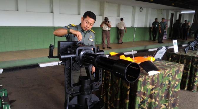 Indonesia Science Day 2018, Menristekdikti Kunjungi Stand Litbang TNI