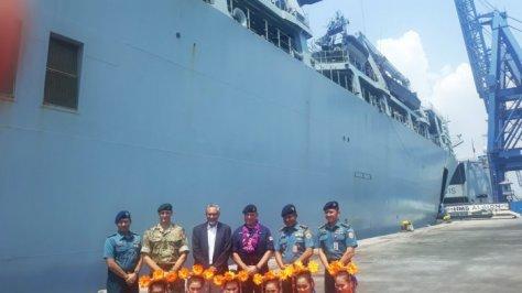 TNI AL, Dubes Inggris Moazzam Malik (ketiga dari kiri), Kapten HS Abion Tim Nield (ketiga dari kanan) (Tribunnews)