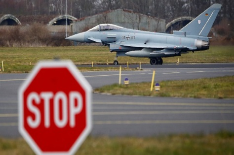 Eurofighter Thypoon Angkatan Udara Jerman beroperasi di dekat Cologne. (Reuters)