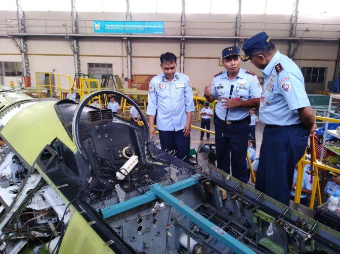 F-16 TNI AU Sedang Menjalani Perawatan (Proyek Falcon Star) di Skatek 042