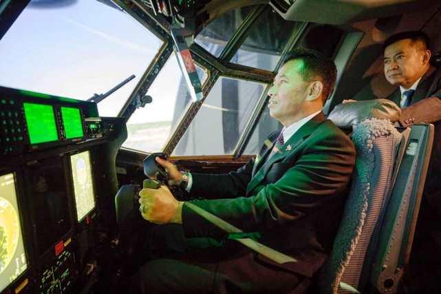 KASAU Lihat Langsung Pembuatan Pesawat C-130 J