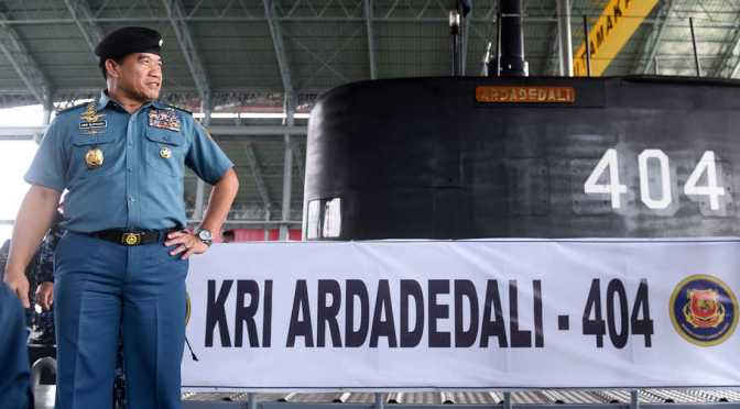 KRI Ardadedali 404 Tiba di Dermaga Kapal Selam Koarmada II (Photo)