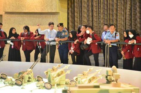 Mahasiswa Unhan Kunjungi Industri Pertahanan China (Okezone)