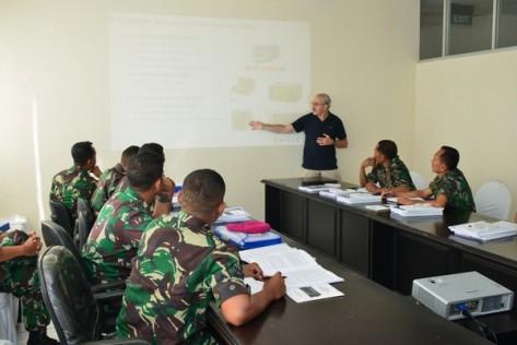 Marinir Gelar Pelatihan dan Uji Fungsi Alkom Radio Thales (Marinir)