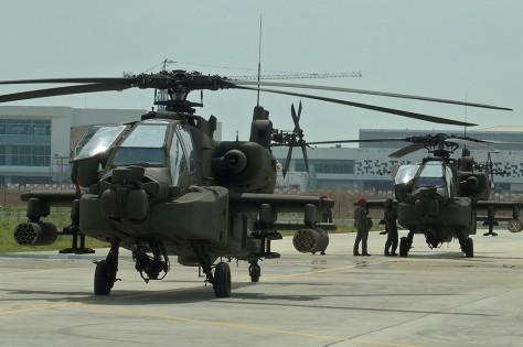Penerimaan tersebut ditandai dengan penyerahan helikopter secara simbolis. (Antara) 2