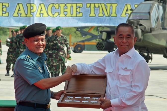 TNI AD Terima Delapan Unit Helikopter AH-64E Apache