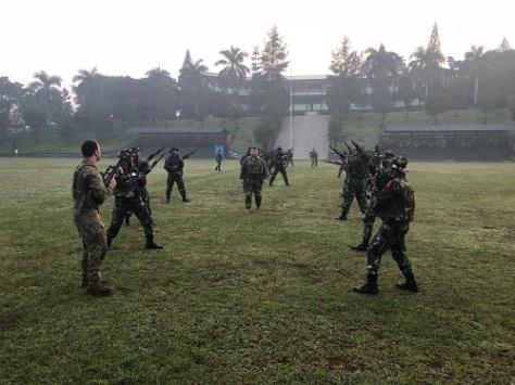 Saling Bertukar Keterampilan Militer TNI-AD dan AD Australia dalam Gelaran JOCIT-I
