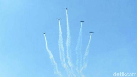 Tim Akrobatik Pesawat 'Neptunus' TNI AL 1