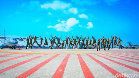 Tim Akrobatik Pesawat 'Neptunus' TNI AL 2