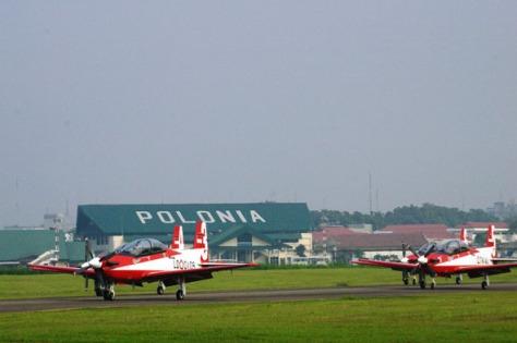 Bandara Polonia