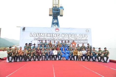 Launcing Kapal Angkut Tank (AT-4) TNI AL KRI Teluk Lada