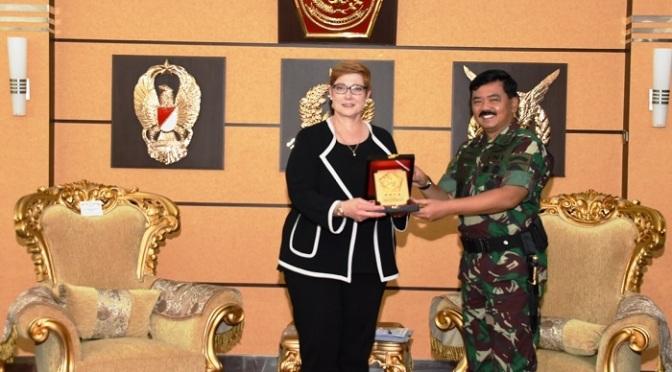 Panglima TNI Terima Kunjungan Kehormatan Menteri Pertahanan Australia