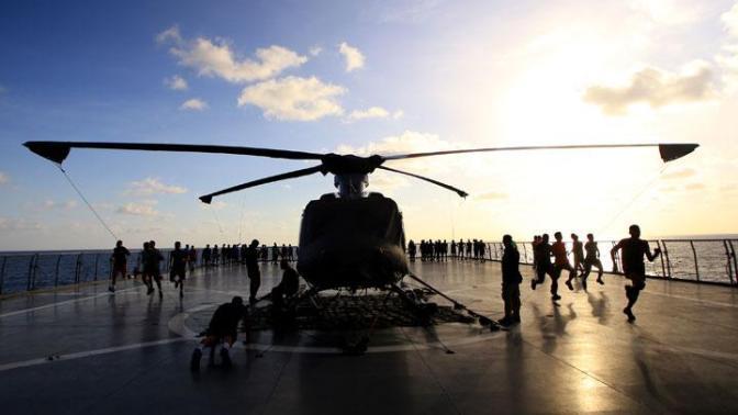 Kegiatan Prajurit TNI AL Selama Perjalanan ke Hawaii (Photo)