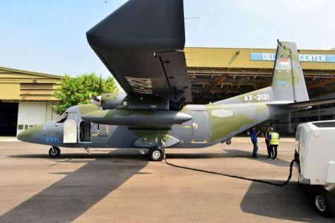 PTDI melakukan ferry flight 2 (dua) unit pesawat terbang NC212i untuk Angkatan Udara Filipina (8 6). (PT DI).2