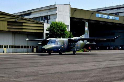 PTDI melakukan ferry flight 2 (dua) unit pesawat terbang NC212i untuk Angkatan Udara Filipina (8 6). (PT DI).3