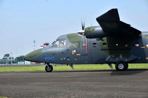 PTDI melakukan ferry flight 2 (dua) unit pesawat terbang NC212i untuk Angkatan Udara Filipina (8 6). (PT DI).5