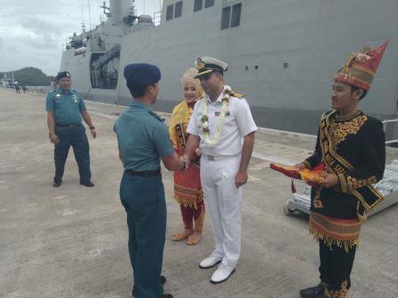 Kapal perang India INS Sumitra singgah di Sabang. (TNI AL)