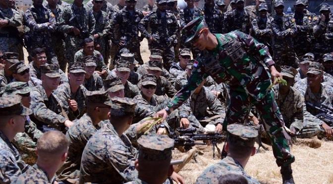 Marinir TNI AL Berbagi Ilmu Patroli Tempur Dan Jungle Survival Di Hawaii