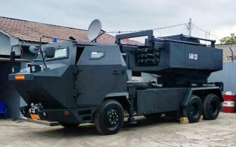 Prototipe MLRS buatan PT. Prafir Jaya Abadi