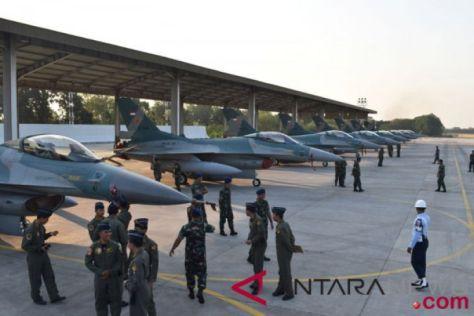 TNI Berangkatkan Pesawat Tempur F-16 Ikut Pitch Black 2018