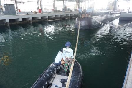 Dansatsel Koarmada II Tinjau Kesiapan Latihan Simulasi Penyelamatan Kapal Selam 1