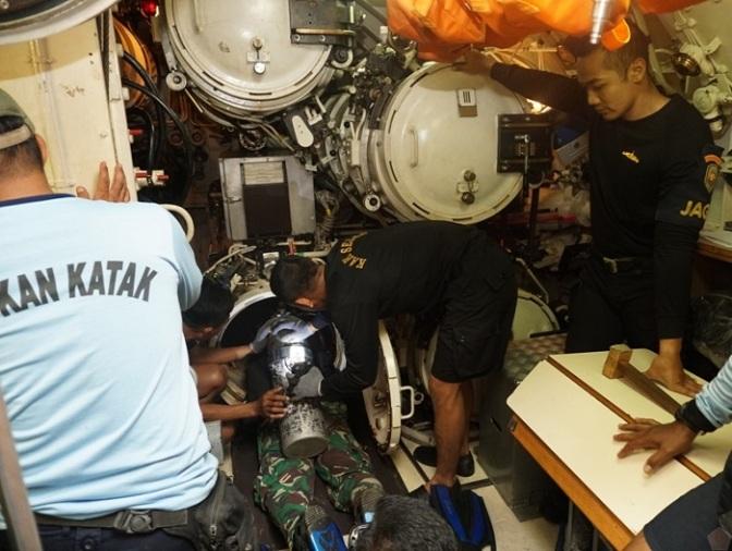 Dansatsel Koarmada II Tinjau Kesiapan Latihan Simulasi Penyelamatan Kapal Selam