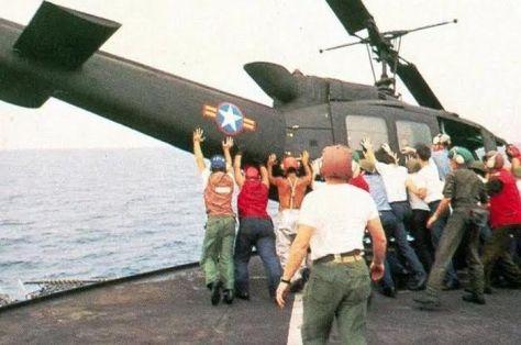 Kalah dalam Perang Vietnam, AS Terpaksa Buang Puluhan Helikopter ke Laut. (Intisari)