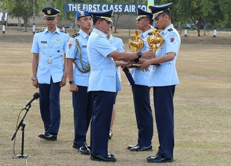 KSAU Marsekal TNI Yuyu Sutisna Lantik 50 Penerbang Militer Baru (Dispenau)