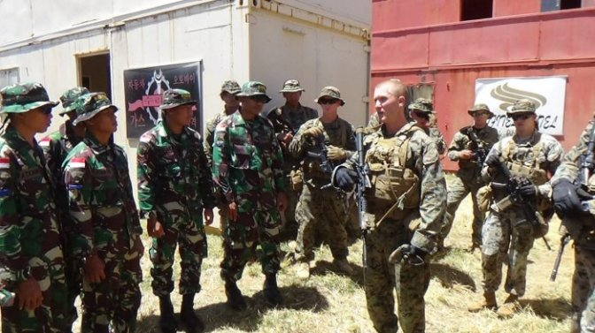 Marinir TNI AL dan USMC Latihan Perang Kota
