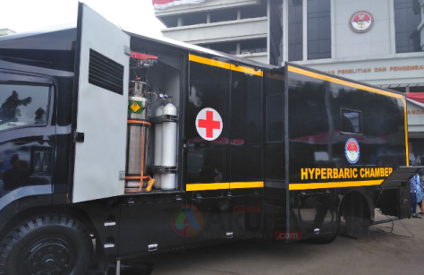 Mobile Hyperbaric Chamber (Akurat)