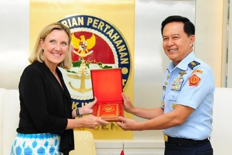Sekjen Kemhan RI menerima Sekretaris Pengendalian Senjata dan Keamanan Internasional Deplu AS