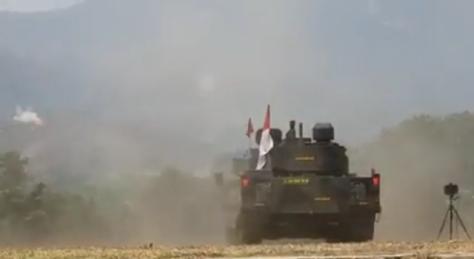 Uji tembak tank medium Pindad (Pindad) 3
