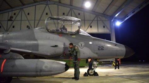 Hawk 100 200 Skadron Udara (Skadud) 1 Wing Udara 7 Lanud Supadio, menggelar latihan terbang malam, Senin (1709) malam. (Istimewa)
