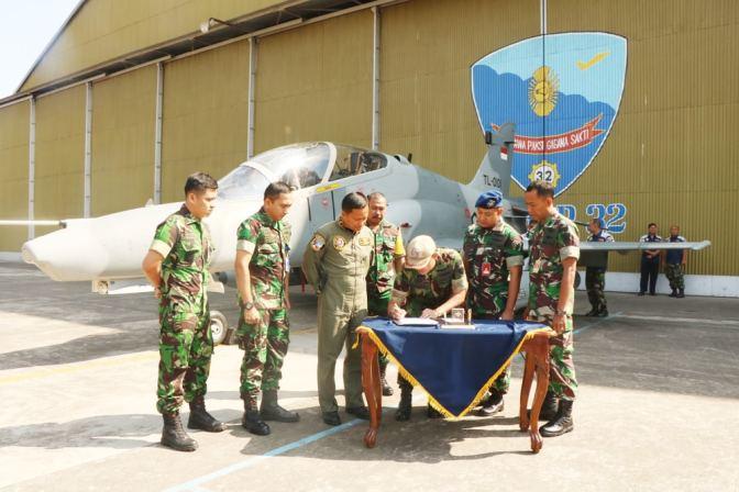 Pesawat Tempur Hawk MK-109 TT-0101 Home Flight Setelah Major Servicing