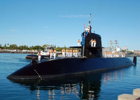 Japan Maritime Self-Defense Force submarine Kuroshio enters Naval Station Pearl Harbor. (Wiki)