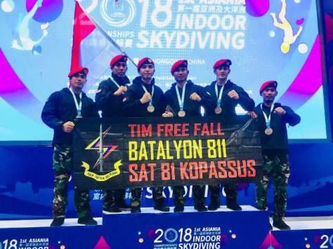 Tim Kopassus berhasil menyabet juara tiga dalam kejuaraan Asiania Indoor Skydiving 2018. (Istimewa)