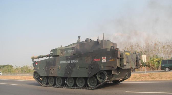 Menhan RI Tawarkan Medium Tank Buatan PT Pindad