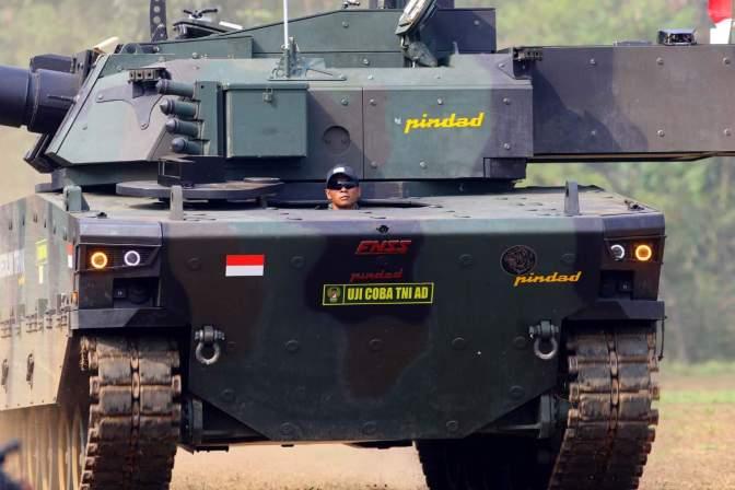 Qatar Minati Produk Pertahanan PT Pindad dan PT PAL