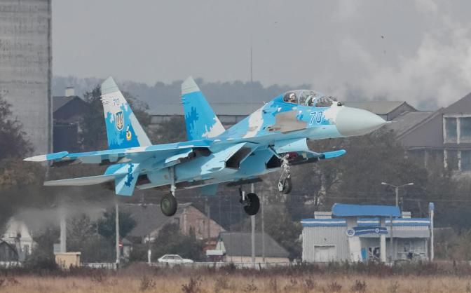 Su-27 Ukraina Jatuh Saat Latihan NATO, Pilot Asal AS Tewas
