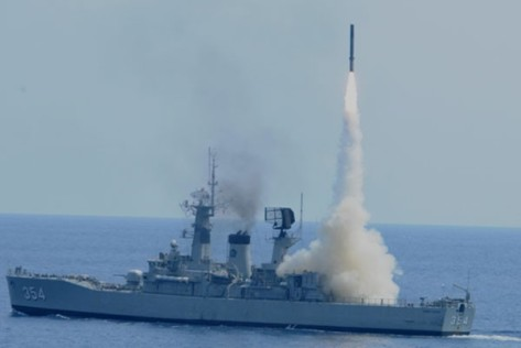 Kapal KRI OWA meluncurkan Yakhont