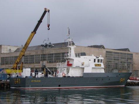 Kapal Patroli Cepat Polri Type NS-935 buatan Polandia, mempunyai panjang 36,4 m dan berat total 206,6 ton, dipunyai sebanyak 5 unit. (Stocznia Wojenna)