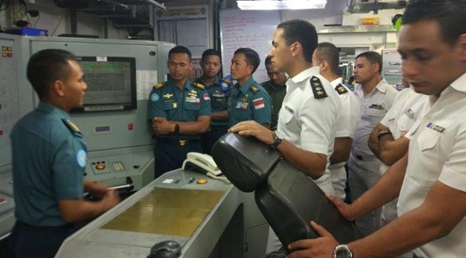 Komandan KRI Usman Harun-359 Terima Kunjungan Personel AL Mesir