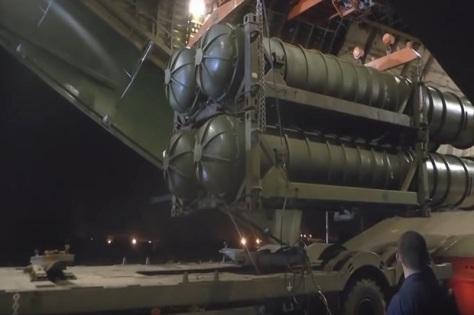 Sistem pertahanan rudal S-300 Rusia. Sputnik